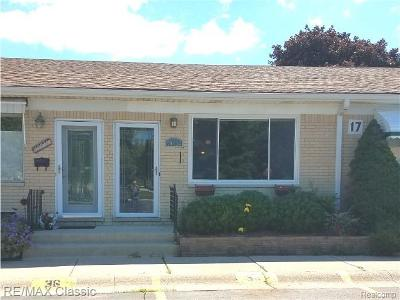 Wixom Condo/Townhouse For Sale: 49934 Helfer W #49934