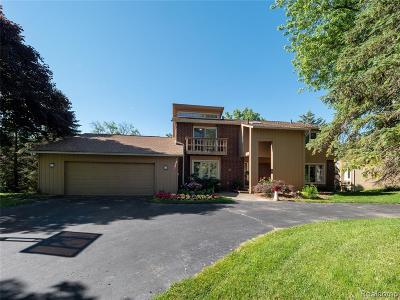 Bloomfield Twp Single Family Home For Sale: 4549 Walden Drive