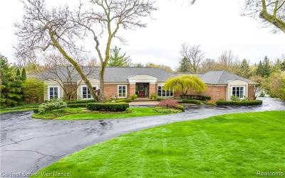 Bloomfield Hills Single Family Home For Sale: 115 Hilltop Lane