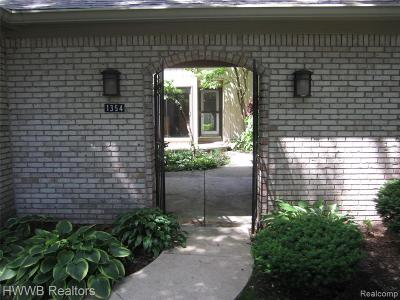 Bloomfield Twp Condo/Townhouse For Sale: 1354 Bramblebush Run