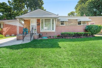 Madison Heights MI Single Family Home For Sale: $165,000