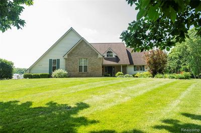 Macomb County, Oakland County, Wayne County Single Family Home For Sale: 12451 White Tail