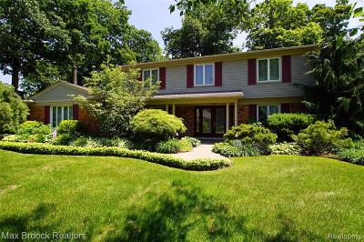 Bloomfield Twp Single Family Home For Sale: 2877 Courville Drive
