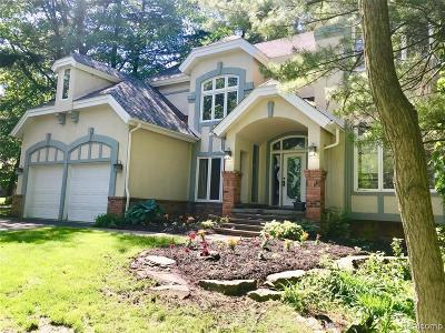 West Bloomfield Twp Single Family Home For Sale: 2600 Elizabeth Lane