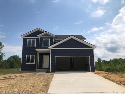 Holly Single Family Home For Sale: 67 Hidden River E