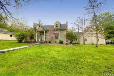 Fenton MI Single Family Home For Sale: $275,000