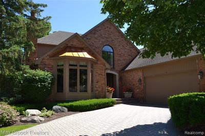 Bloomfield Hills Condo/Townhouse For Sale: 760 Windemere Court