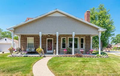 Dearborn Single Family Home For Sale: 18280 Outer Drive