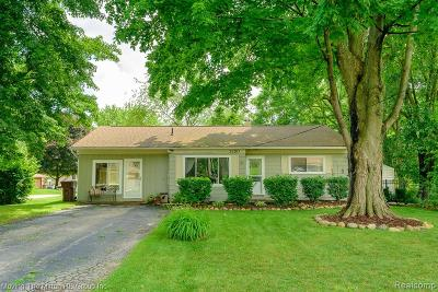 Commerce Twp Single Family Home For Sale: 3750 Vanstone Drive