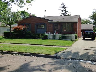 Single Family Home For Sale: 1194 Elliott Avenue