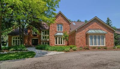Bloomfield Twp Single Family Home For Sale: 430 Stoneridge Lane