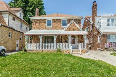 Dearborn Single Family Home For Sale: 7621 E Morrow Circle
