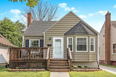 Ferndale Single Family Home For Sale: 834 Wordsworth Street