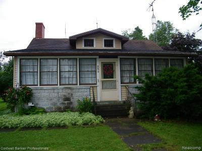 Single Family Home For Sale: 3872 Huron Street