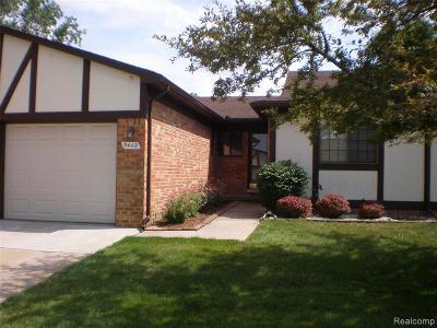 Warren Condo/Townhouse For Sale: 5442 Stanford Court #99