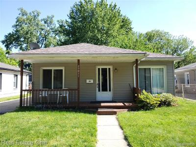 Dearborn Heights Single Family Home For Sale: 25011 Colgate Street