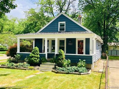 Royal Oak Single Family Home For Sale: 2828 Ardmore Avenue