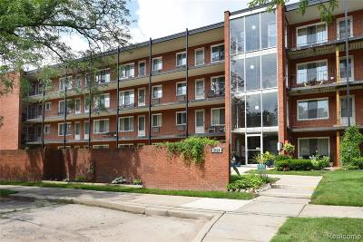 Royal Oak Condo/Townhouse For Sale: 2820 Woodslee Drive #209