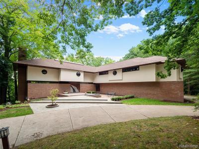 Bloomfield Twp Single Family Home For Sale: 1954 Sherwood Glenn