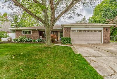 Dearborn Heights Single Family Home For Sale: 755 Kinloch Street