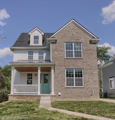 Royal Oak Single Family Home For Sale: 302 N Dorchester Avenue