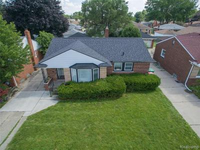 Macomb County Single Family Home For Sale: 18100 Holland Avenue