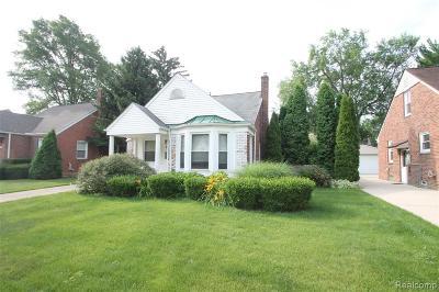 Berkley Single Family Home For Sale: 1591 Catalpa Drive