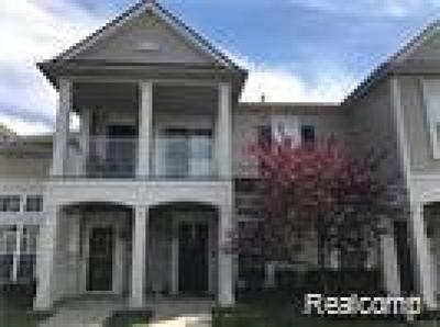Walled Lake Condo/Townhouse For Sale: 10102 W Midway Court