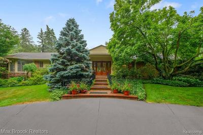 Bloomfield Hills Single Family Home For Sale: 645 Lone Pine Road