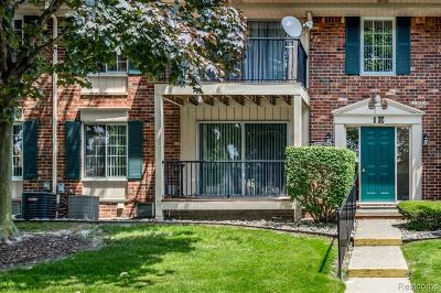 Sterling Heights Condo/Townhouse For Sale: 12008 15 Mile Road