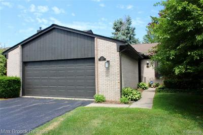 West Bloomfield Twp Condo/Townhouse For Sale: 4186 Wabeek Lake Drive S