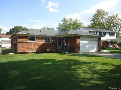 Hazel Park Single Family Home For Sale: 22640 Maple Court