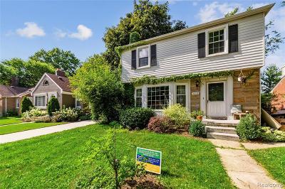 Berkley Single Family Home For Sale: 2218 Catalpa Drive