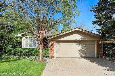 Keego Harbor, Sylvan Lake Single Family Home For Sale: 2408 Garland Street