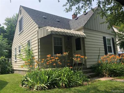 Royal Oak Single Family Home For Sale: 718 E 12 Mile Road