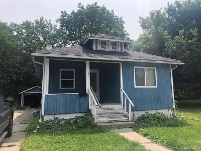 Pontiac Single Family Home For Sale: 63 S Tasmania Street