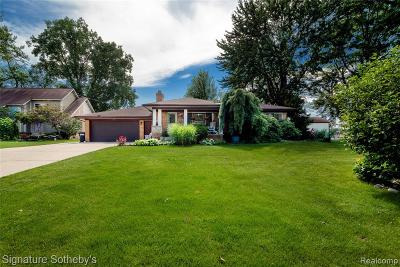 Waterford Single Family Home For Sale: 116 Edgelake Drive