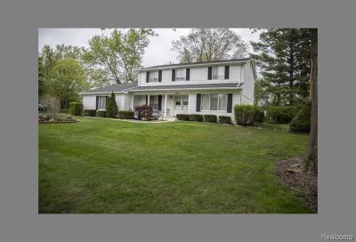 Farmington Hills Single Family Home For Sale: 30180 Fernhill Drive