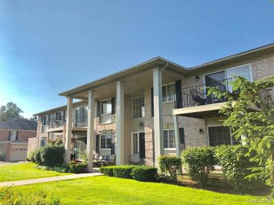 West Bloomfield Twp Condo/Townhouse Contingent - Continue To Show: 6127 Orchard Lake Road