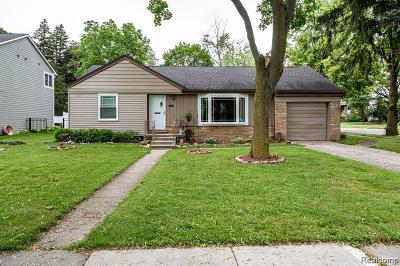Birmingham MI Single Family Home For Sale: $284,000