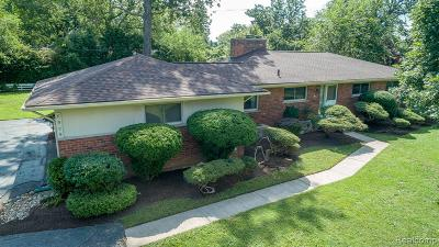 Bloomfield Twp MI Single Family Home For Sale: $349,800