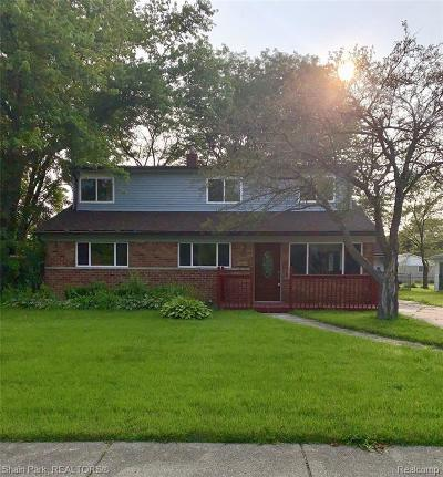 Southfield MI Single Family Home For Sale: $240,000
