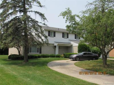 Farmington, Farmington Hills Single Family Home For Sale: 28977 Ramblewood Drive