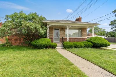 Eastpointe Single Family Home For Sale: 15415 Stricker Avenue