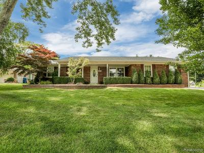 Washington Twp Single Family Home For Sale: 11699 Sharon Lee Drive