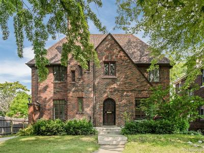 Detroit Single Family Home For Sale: 2514 Chicago Boulevard