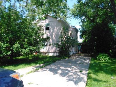 Clawson Single Family Home For Sale: 165 Hendrickson Boulevard
