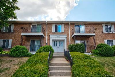 Farmington Hills Condo/Townhouse For Sale: 30709 Shiawassee Road #65