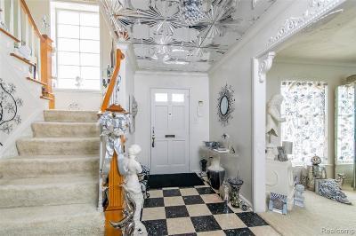 Detroit Single Family Home For Sale: 450 W Grixdale