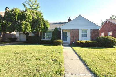 Royal Oak Single Family Home For Sale: 4240 Sheridan Drive